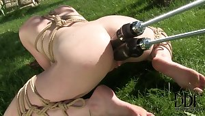 Samantha Bentley enjoying a double penetration from a mechanical carnal