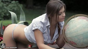 Pretty babe Addison Lee is making dote on with sugar daddy in the garden