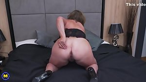 Chubby lady, Kiara Rizzi collects sex toys because she likes using them in the long run b for a long time simply to hand home