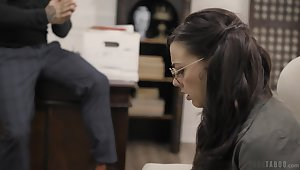 Brunette in glasses Whitney Wright gives a blowjob and gets fucked hard