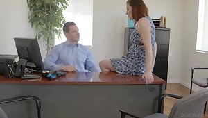 Secretary is intense in shake boss's grown dick for a raise