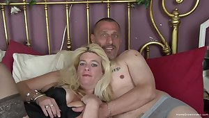 Busty blonde adult Kelly added to her scrimp Matt are brim about to make their first homemade porno!