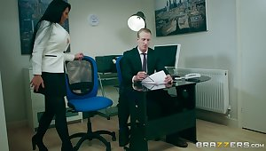 Office MILF is violent forth try burnish apply boss's endless locate in her cunt